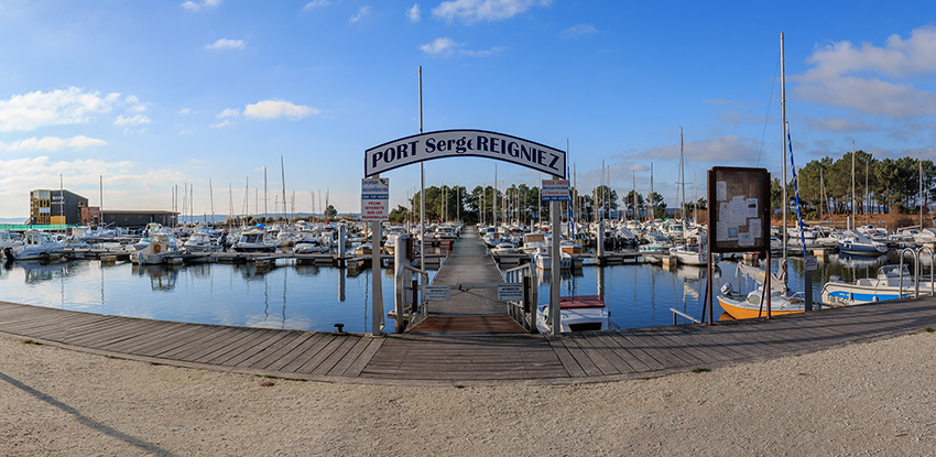 Le port d'Hourtin, veritable port de plaisance sur le lac d'Hourtin