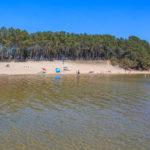 Baignade plage de piqueyrot en bord de lac à Hourtin Médoc