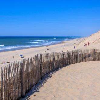 Descente de la dune principale en venant du parking de Hourtin Plage