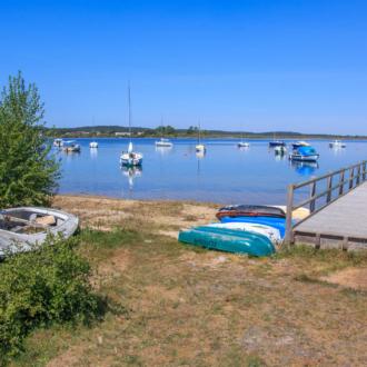 Ponton à Piqueyrot sur le lac d'Hourtin dans le Médoc